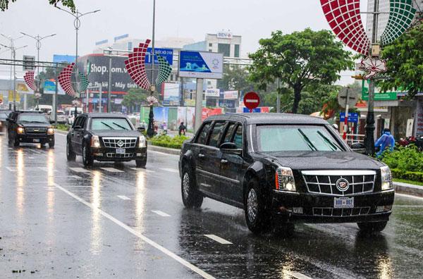 Cặp xe Quái thú chạy dưới trời mưa ở Đà Nẵng. Ảnh: Đức Đồng.