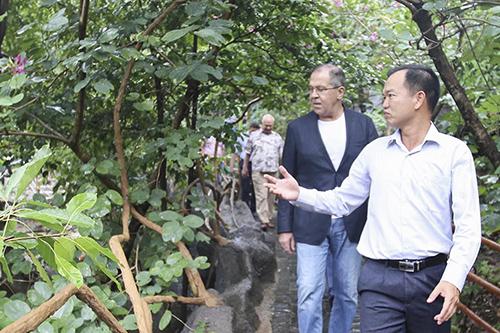 Nhiều lãnh đạo của Nga đi tắm khoáng nóng ở Đà Nẵng