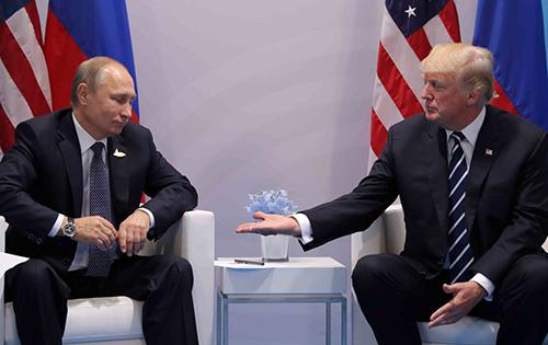 US President Donald Trump meets with Russian President Vladimir Putin at the G20 summit in Hamburg, Germany, July 7, 2017. (Reuters / Carlos Barria)