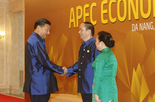 Chủ tịch nước Trần Đại Quang và Phu nhân đón Chủ tịch Trung Quốc Tập Cận Bình.