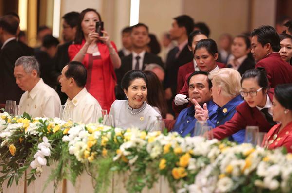 Tiệc chiêu đãi chào mừng các nhà Lãnh đạo APEC và Phu nhân.