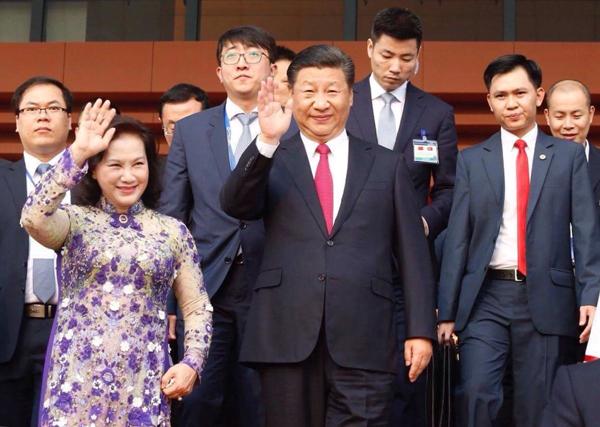 Chủ tịch Quốc hội Nguyễn Thị Kim Ngân và Chủ tịch Trung Quốc Tập Cận Bình. Ảnh: Ngọc Thành.