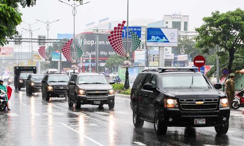 Dàn 'quái thú' của Trump rời sân bay Đà Nẵng
