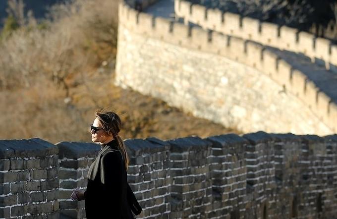 Melania làm gì khi ông Trump thăm Việt Nam và Philippines