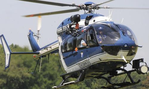 Một trực thăng được huy động để tìm kiếm người bị nữ được cho đã bị bắt cóc. Ảnh minh họa: defpost