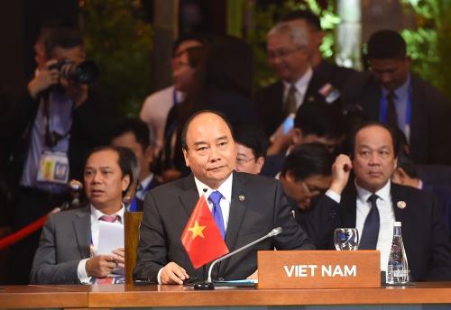 Thủ tướng Nguyễn Xuân Phúc tại Hội nghị cấp cao ASEAN ở Philippines. Ảnh: VGP/Quang Hiếu