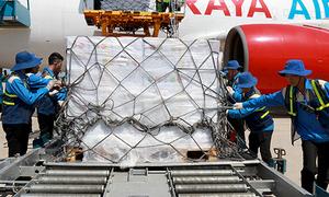 Bốn tỉnh bị thiệt hại do bão Damrey nhận hàng cứu trợ của ASEAN