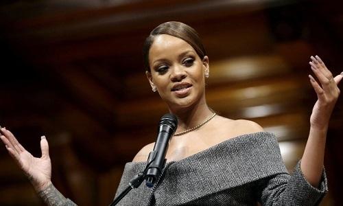 Học tiếng Anh: Nữ ca sĩ Rihanna phát biểu tại Harvard