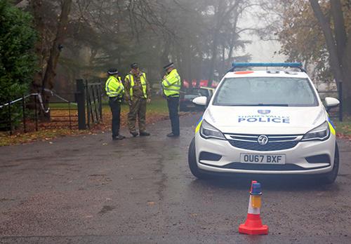 Cảnh sát Anh tại hiện trường tai nạn. Ảnh:UKNIP
