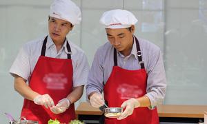 Giáo viên trổ tài nấu món Nhật nhân ngày Nhà giáo Việt Nam