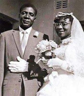 nguoi-vo-dau-duoc-xem-la-quoc-mau-cua-tong-thong-zimbabwe
