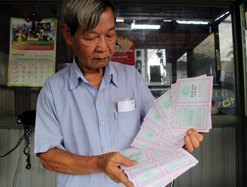 Ông Hoàng Văn Lục gửi hơn 8 tỷ đồng hơn năm nay không lấy được tiền từ quỹ tín dụng nhân dân Thái Bình. Ảnh: Phước Tuấn