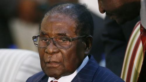 Ông Robert Mugabe, người vừa từ chức Tổng thống Zimbabwe sau 37 năm cầm quyền. Ảnh: Reuters.