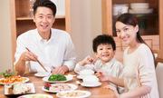 Vợ chồng tôi thu nhập 200 triệu nhưng nấu ăn sáng ở nhà