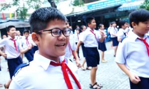 Học sinh nhảy Cha cha cha thay bài thể dục ở Sài Gòn