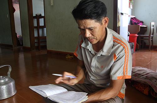 nguoi-dan-ong-10-nam-cho-nong-dan-vay-tien-ty-khong-tinh-lai-1
