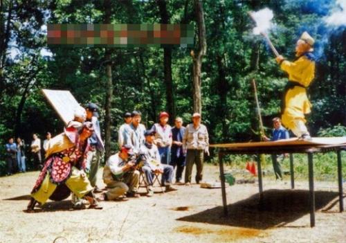 hau-truong-hai-huoc-cua-phim-tay-du-ky-1986-phan-2-1