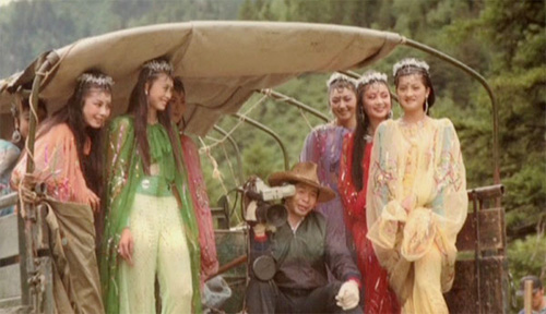 hau-truong-hai-huoc-cua-phim-tay-du-ky-1986-phan-2-5