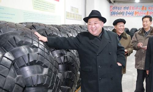 kim-jong-un-tham-nha-may-san-xuat-lop-cho-xe-tai-cho-ten-lua