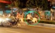 Tài xế taxi bị hạ knock out sau va chạm giao thông