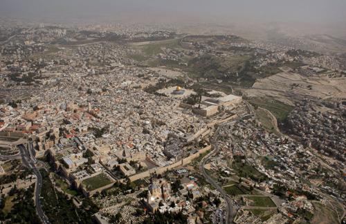 100-nam-lua-mau-cua-thanh-pho-thieng-jerusalem