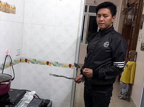 bo-bi-bat-vi-bao-hanh-con-trai-sau-ly-hon-1