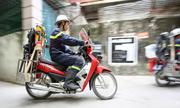 Công an Hà Nội cải tiến xe Wave để chữa cháy