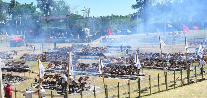 Uruguay nướng 16,5 tấn thịt bò để lập kỷ lục thế giới