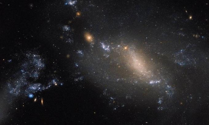 10 bức ảnh vũ trụ ấn tượng của NASA năm 2017