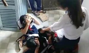 Hai nữ sinh lớp 9 đánh bạn bị buộc thôi học một năm