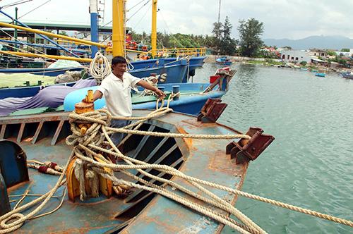 Nhiều tàu cá vỏ thép ở Bình Định mới ra khơi vài chuyến đã rỉ sắt, hư hỏng. Ảnh: Thạch Thảo.