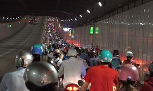 Kẹt xe liên tục, TP HCM đổi phương án lưu thông qua hầm Thủ Thiêm