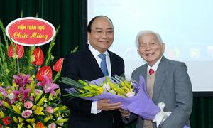 Thủ tướng chúc mừng sinh nhật GS Hoàng Tụy