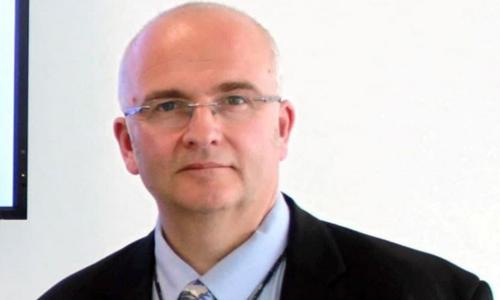 Bác sĩ Simon Bramhall. Ảnh: SCMP.