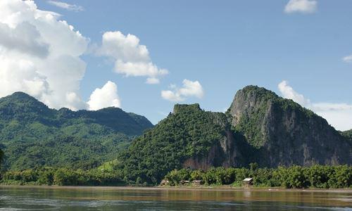 Đoạn sông Mekong chảy qua Lào. Ảnh: Wiki.