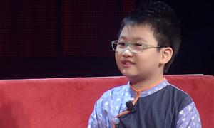 Cậu bé bảy tuổi gây kinh ngạc với kiến thức về vũ trụ