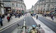 Ngồi nóc xe tăng vi vu khắp London