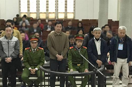 hai-lanh-dao-ngan-hangrut-nghin-ty-cho-cong-ty-san-sau-vay