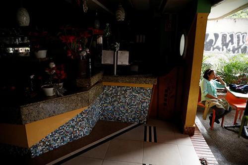 thu-do-cua-venezuela-mat-dien-nguoi-dan-nghi-viec-ve-nha