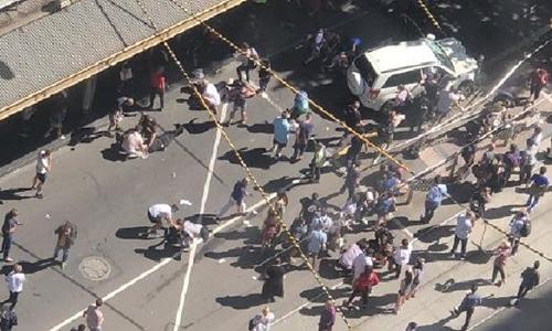 Hiện trường vụ lao xe nhìn từ trên cao. Ảnh: news.com.au.