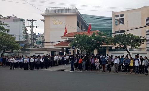 Nghìn học sinh Sài Gòn tiễn biệt thầy hiệu trưởng qua đời đột ngột