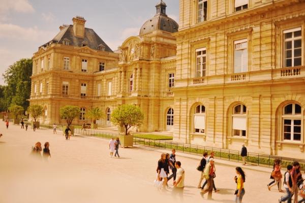 Màu ở Paris - 1