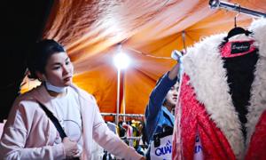 Người Sài Gòn tấp nập mua áo ấm khi thời tiết 20 độ