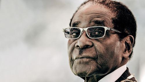 Cựu Tổng thống Zimbabwe Robert Mugabe chụp vào tháng 12/2015. Ảnh: AFP.