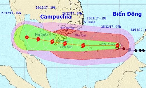 Tâm bão đang hướng vào Cà Mau. Ảnh: NCHMF