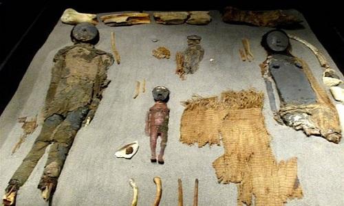 Xác ướp của người Chinchorro khai quật ở Chile. Ảnh: YouTube.