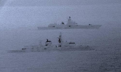 Chiến hạm HMS St Albans (gần) và Đô đốc Gorshkov trên camera ảnh nhiệt. Ảnh: Royal Navy.