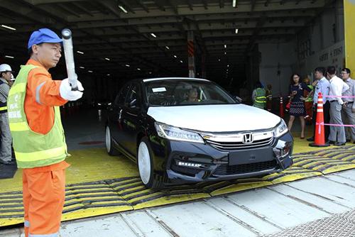 Khe cửa hẹp cho xe nhập khẩu về Việt Nam trong 2018 - ảnh 1