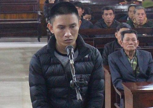 Bị cáo Phú tại tòa. Ảnh: Đức Hùng