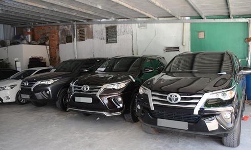 Toyota Fortuner 'lướt' đắt hơn 200 triệu so với xe mới - ảnh 1